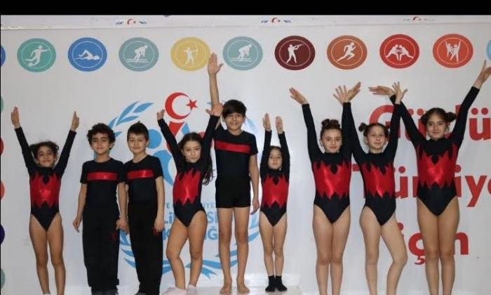 Uygar Koleji'nin Jimnastik başarısı