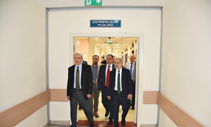 Rektör Çelik, Üniversite Hastanesinde incelemelerde bulundu